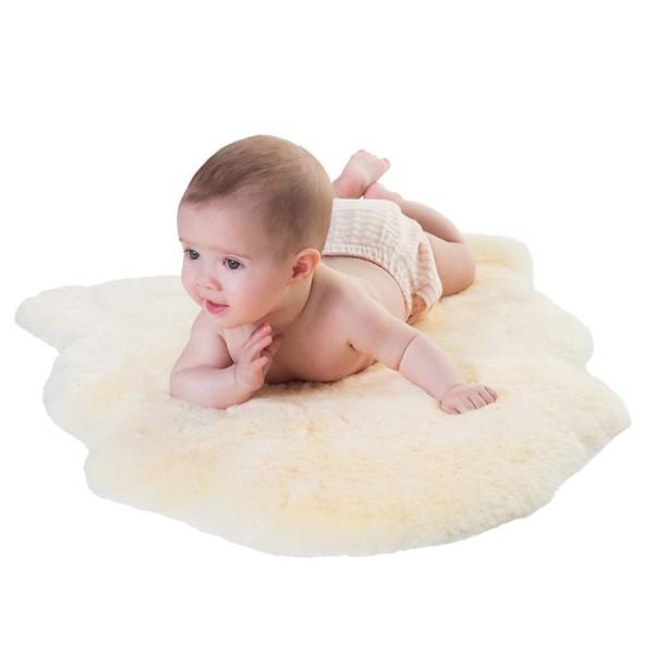 Baby Lammfell geschoren
